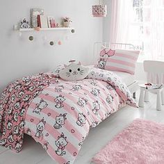 Disney Marie Duvet Cover and Pillowcase Set Best Duvet Covers, King Size Duvet Covers, Duvet Cover Sizes, Cute Bedding, Kids Bedding Sets, Comforter Sets, Contemporary Duvet Covers, Pink Comforter, Disney Bedding