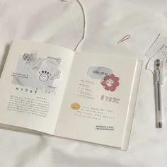 Bullet Journal Lettering Ideas, Bullet Journal Writing, Bullet Journal Ideas Pages, Bullet Journal Inspiration, Book Journal, Bullet Journals, Bujo, Bullet Journal Minimalist, Cute Journals