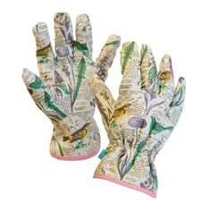Ladies gardening gloves - love these, with their cool leaves and bird print. Perfect gift for gardening mums / moms. Valentines Gifts For Her, Christmas Gifts For Her, Cotton Gloves, Gardening Magazines, Most Beautiful Gardens, Wild Wolf, Garden Pictures, Gardening Gloves, Garden Gifts