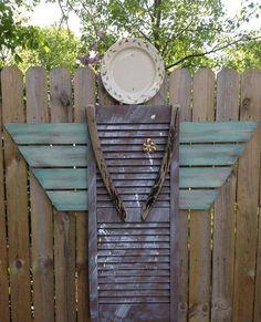 Love this outdoor garden angel Magic Garden, Garden Angels, Garden Crafts, Garden Projects, Garden Ideas, Recycled Garden Art, Welding Projects, Rustic Gardens, Outdoor Gardens