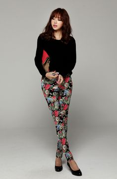 Itsmestyle to look extra k-fashionista ♥   Love those pants!
