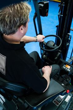 Here is a useful article about forklift safety by RTITB concerning operator's mounting and dismounting forklift trucks and precautions to take whilst operating forklifts.