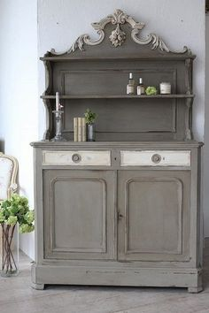 Best Painted Furniture Distressed Old Dressers Shabby Chic 29 Ideas Chalk Paint Furniture, Furniture Projects, Furniture Makeover, Diy Furniture, Diy Projects, Furniture Design, Distressed Furniture, Repurposed Furniture, Vintage Furniture