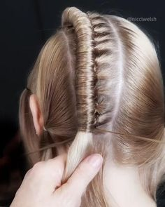 Easy Hairstyles For Long Hair, Braids For Long Hair, Braided Hairstyles, How To Braid Hair, Hair Jewelry For Braids, Braided Mohawk, Box Braids, Cool Hairstyles, Natural Hair Styles