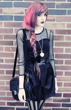 estilo glam rock - cabelos coloridos - http://vestidododia.com.br/estilos/estilo-glam/estilo-glam-rock/conheca-o-estilo-glam-rock/