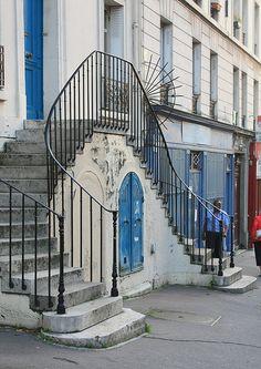 Paris 20ème, double escalier rue de Bagnolet.