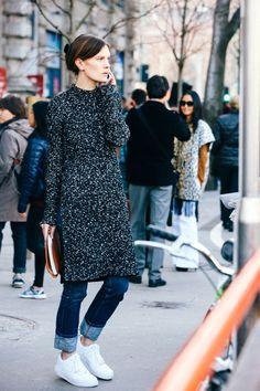 Street looks at Milan Fashion Week Fall/Winter Fashion Week 2015, Fashion News, Milan Fashion, Dress Over Pants, Winter Stil, Winter Mode, Street Style Looks, Fashion Pants, Autumn Winter Fashion