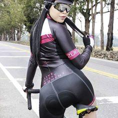La imagen puede contener: 1 persona, de pie y exterior Bmx Girl, Biker Girl, Bicycle Women, Bicycle Girl, Sexy Asian Girls, Sexy Hot Girls, Belle Nana, Sexy Golf, Cycling Motivation