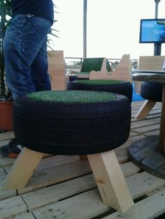 Sillas hechas con neumáticos reutilizados