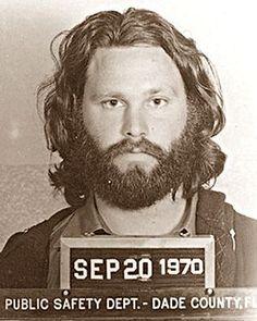 JIM MORRISON    - Motivo: Ficar nu no palco em Miami, em 1969  @dmvc~Reason: Getting naked on stage in Miami in 1969