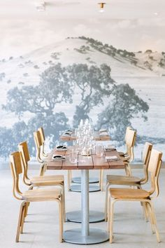 10 Decorating Ideas to Steal from the World's Most Stylish Restaurants:A full-wall mural makes a wonderfully dramatic backdrop for furniture. Design Exterior, Interior And Exterior, Luxury Interior, Commercial Design, Commercial Interiors, Cafe Design, House Design, Design Design, Design Trends
