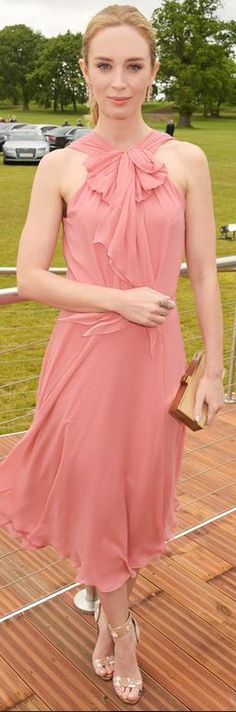 Emily Blunt: Dress – Jenny Packham  Shoes – Nicholas Kirkwood