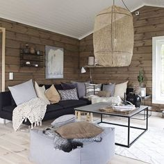 Chalet Interior, Interior Exterior, Interior Design Living Room, Living Room Decor, Cottage Interiors, Log Homes, Cozy House, Home And Living, Decor Styles