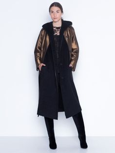 Long coat in taffeta wool lurex with practical detachable alpaca wool double face layer with hood and pockets. Can be worn two ways, sou can make the most out of this piece and it is worth investing in! Alpaca Wool, Knit Cardigan, Investing, Duster Coat, Cashmere, Stylists, Normcore, Pockets, Face
