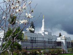 Medford Oregon LDS Temple    Find more LDS inspiration at: www.MormonLink.com