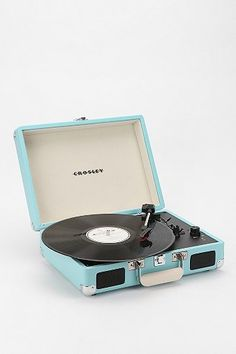 Briefcase portable turntable. A cool gift for teens or tweens. Comes in 5 colors!