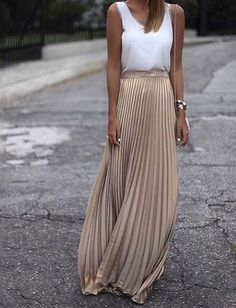 New beige metallic pleated long skirt maxi length spring summer golden metalic Evening Wedding Guest Outfits, Casual Wedding Outfit Guest, Summer Wedding Outfits, Wedding Guest Maxi Dresses, Skirt For Wedding Guest, Casual Summer Evening Outfit, Winter Outfits, Pleated Skirt Outfit, Dress Outfits