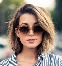 The best collection of Cool Short Haircuts for Women, latest and best short haircuts, short hairstyles, short hair trends 2018 2019 Shaggy Bob Hairstyles, Hairstyles For Round Faces, Short Hairstyles For Women, Cool Hairstyles, Hairstyle Ideas, Pixie Haircuts, Hair Ideas, Hairstyles 2016, Small Forehead Hairstyles