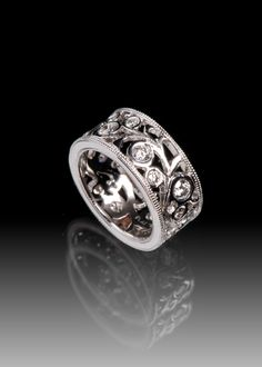 JPratt Designs: Custom designed platinum and diamond ladies band