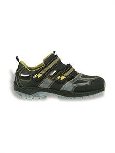 ACE S1 P Src:Schaft: Leder und BREATEX Stoff Futter: SPHERA, 100% Polyamid, antibakteriell, atmungsaktiv, Riß- und Abriebfest dank seiner besonderen Webart Fußbett: Cofra Soft, anatomisches Fußbett aus weichem, bequemem und duftendem PU; das Design der unteren Schicht garantiert einen schockabsorbierenden Effekt und hohe Rutschfestigkeit; die obere Schicht nimmt den Schweiß auf und hält den Fuß stets trocken Laufsohle: PU/PU