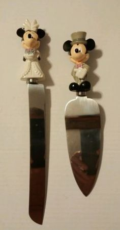 Disney-MICKEY-AND-MINNIE-MOUSE-Bride-and-Groom-Wedding-Cake-Knife-and-Server-Set