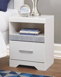 Shop Bedroom Sets in Calgary - Ashley Bedroom Furniture Calgary for Discounted prices Modern Furniture Stores, Affordable Furniture, Furniture Sale, Discount Furniture, Ashley Bedroom, White Nightstand, How To Clean Metal, Bedroom Sets, Cozy Bedroom