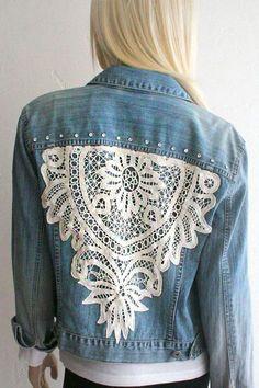 Denim+Jacket+OOAK+vintage+style+with+Lace+by+SouthernGirlApparel Denim + Jacke + OOAK + Vintage + St Artisanats Denim, Denim And Lace, Denim Shirts, Diy Kleidung, Estilo Hippie, Diy Mode, Diy Vetement, Country Girls Outfits, Mode Jeans