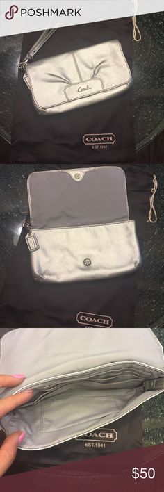 Authentic coach Wristlet💕 This is in perfect condition! No stains, holes or marks! See pictures for details and dimensions💕 Coach Bags Clutches & Wristlets