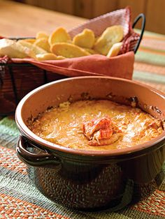 Hot Crawfish Dip Tarng Tarng Voclain This is the same thing, I think. Crawfish Dip, Crawfish Recipes, Cajun Recipes, Dip Recipes, Seafood Recipes, Appetizer Recipes, Great Recipes, Cooking Recipes, Favorite Recipes