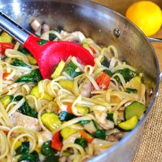 Linguine with Chicken and Vegetable. Sautéed vegetable and chicken pasta with a light sauce make a delicious healthy meal. Pasta Recipes, Chicken Recipes, Dinner Recipes, Cooking Recipes, Dinner Ideas, Healthy Cooking, Healthy Eating, Healthy Recipes, Healthy Food