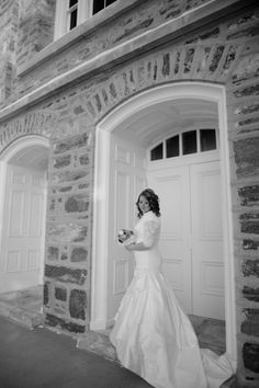 Utah Wedding Photographer, Bridal Pictures, Veronica Benson Photography, Logan LDS Temple, modest wedding dress,