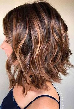 Chestnut Brown with Heavy Caramel Balayage hair, WATCH: Beautiful Balayage Highlights Inspiration for Your Next Salon Visit Medium Hair Styles, Curly Hair Styles, Updo Curly, Fall Hair Color For Brunettes, Fall Hair Colors, Short Hair Colors, Bob Hair Color, Good Hair Colors, Hair Cuts And Color Ideas