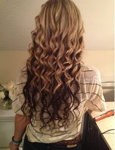 curls! I really need to invest in a curling wand(: