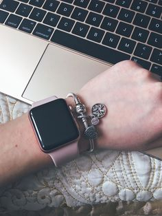 Apple Watch series 2 pandora The Effective Pictures We Offer You About watch wallpaper dark A quality picture can tell you many things. Apple Watch Iphone, Gold Apple Watch, Apple Watch Bands, Pandora Sale, Pandora Jewelry, Pandora Bracelets, Apple Watch Fashion, Apple Watch Accessories, Mode Chic