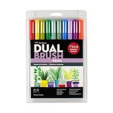 Find the Tombow Botanical Illustration Dual Brush Pens at Michaels. Create lovely botanical artwork with these Michaels Exclusive dual-tip pens from Tombow. Tombow Markers, Brush Pen Art, Tombow Dual Brush Pen, Art And Craft, Palette, Sketch Markers, Pen Sets, Colorful Drawings, Makeup Kit