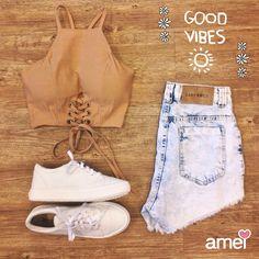 Para um dia cheio de energia positiva ☀ #lojaamei #short #jeans #cropped #tenisbranco #verao #goodvibes #paz