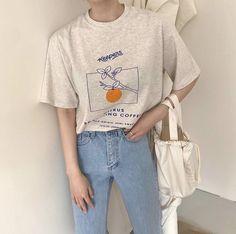 ꒰ 💌 ꒱┊𝑠𝑜𝑚𝑒𝑡𝘩𝑖𝑛𝑔 𝑠𝑝𝑒𝑐𝑖𝑎𝑙 Ulzzang Fashion, Korean Fashion, Ulzzang Style, Aesthetic Fashion, Aesthetic Clothes, Retro Outfits, Cute Outfits, Streetwear Fashion, Printed Shirts