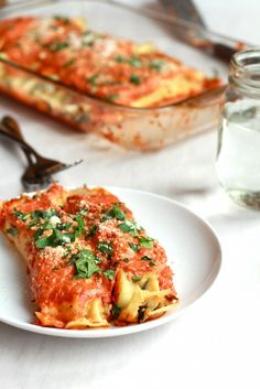 Spicy Italian Chicken Suasage, Spinach and Crepe Manicotti - 12 Terrific Sweet and Savory Crepes Churros, Italian Chicken Sausage, Cannelloni, Savory Crepes, Creamy Tomato Sauce, Crepe Recipes, Half Baked Harvest, Cooking Recipes, Healthy Recipes