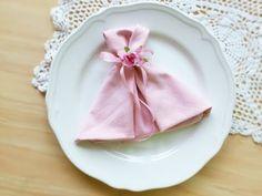 Wedding dress napkin folding - YouTube
