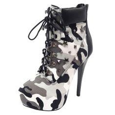 Botas con plataforma, encuentra más estilos de botas militares  aquí...http://www.1001consejos.com/botas-estilo-militar/