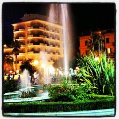 La fontana alla Rotonda Giorgini, isola pedonale di San Benedetto del Tronto