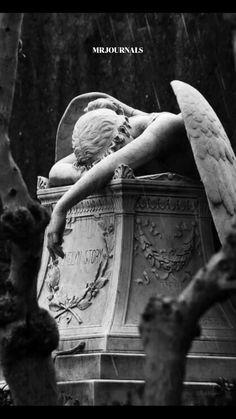 Angel Sculpture, Bronze Sculpture, Sculpture Art, Clay Sculptures, White Aesthetic, Aesthetic Art, Ancient Greek Sculpture, Cemetery Art, Cemetery Angels