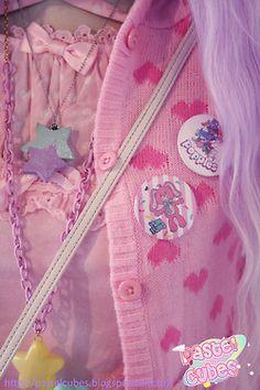 I love the cuteness of casual Fairy kei stuff like this!