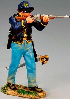 Civil War Union CW067 Trooper Standing Firing Carbine - Made by King and Country Military Miniatures and Models. Factory made, hand assembled, painted and boxed in a padded decorative box. Excellent gift for the enthusiast.