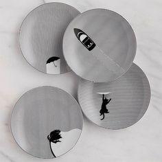 Cheeky Home, basée aux États-Unis, conçoit de la vaisselle à la fois en papier et en porcelaine dans le but de moderniser l'art de la table et réunir à nouveaux les américains autour d'une table le temps d'un repas.  Autre élément important, la marque travaille en collaboration avec une association qui distribue des repas aux personnes dans le besoin, ainsi pour chaque produit acheté, Cheeky Home offre un repas. Il est vrai qu'on a en France de bonnes marques et surtout d'excellents...