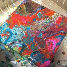 Sista försöket  tack mina tokiga vänner för en underbar dag, då kreativiteten har flödat, runnit och skvätt  #dirtypourart #dirtypour #fluidpainting #slöjddetaljer #pyssel #pyssla #pysseltips #pysselinspo #diy #diyproject #gördetsjälv #kreativitet #kreativ #kreatör #creative #create #slöjd #crafts #skapa