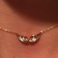 Angel Wings Necklace Angel Wing Necklace Guardian Angel Fairy Wings Gift for Her Best Friend Dainty Jewelry, Cute Jewelry, Luxury Jewelry, Jewelry Accessories, Fashion Accessories, Fashion Jewelry, Greek Jewelry, Mexican Jewelry, Jewelry Clasps