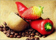 """Bild von Falko Follert Art-FF77 - """"Kaffeebohnen Kiwi Erdbeere Paprika"""""""