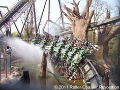 Raptor (Wing Coaster in Gardaland Park) Italy