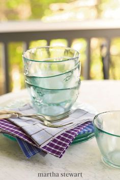 The rustic charm of these green-tinted bowls comes from used glass containers. For this project, it's worth investing in a quality bottle cutter for a safe and precise cut for bowls and cups that can be used in the kitchen. #marthastewart #diydecor #diyprojects #diyideas #hobby Empty Wine Bottles, Martha Stewart Crafts, Old Shirts, Cotton Shirts, Glass Dishes, Glass Bowls, Summer Parties, Recycled Glass, Recycled Crafts